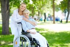 Eltern pflegen Eltern Teil 1: Erste Schritte, Pflegegrad & Formen der Versorgung.