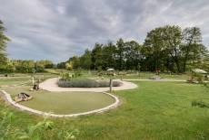 Adventure-Minigolf/ Landhotel Burg mit Streichelzoo