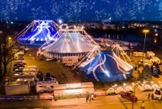 Prachtvoller Weihnachts-Circus an der Elbe