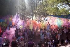 Holi-Hammer – das Fest der Farbe am Pfingstsonntag