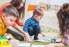 Eltern fordern Beitragsfreiheit – Land geht nächste Schritte