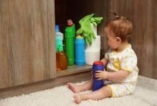 Vorsicht mit Desinfektions- und Reinigungsmitteln im Haushalt